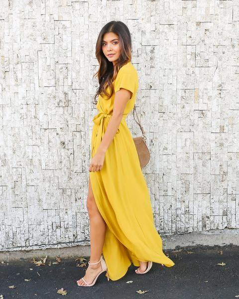 Жовтий колір вбрання