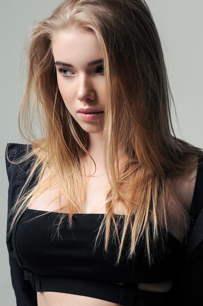 Playboy певицы LELA