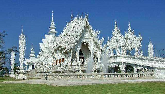 храм Wat Rong Khun