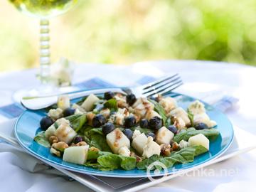 Салат зі смажених груш зі шпинатом