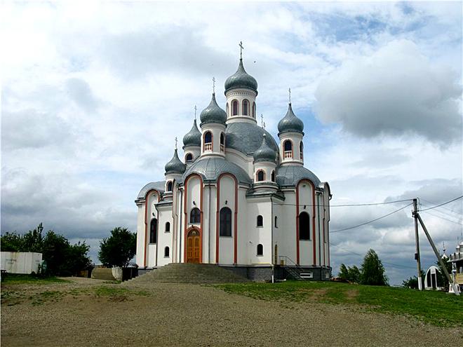 Куда поехать на Пасху 2012: Монастирь на Анниной горе