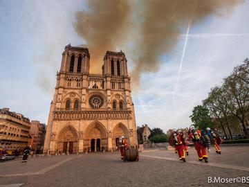 Пожар в соборе Парижской Богоматери: реакция знаменитостей
