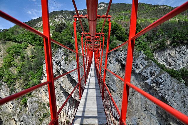 7 самых высоких банджи-прыжков: Мост Niouc (Швейцария)