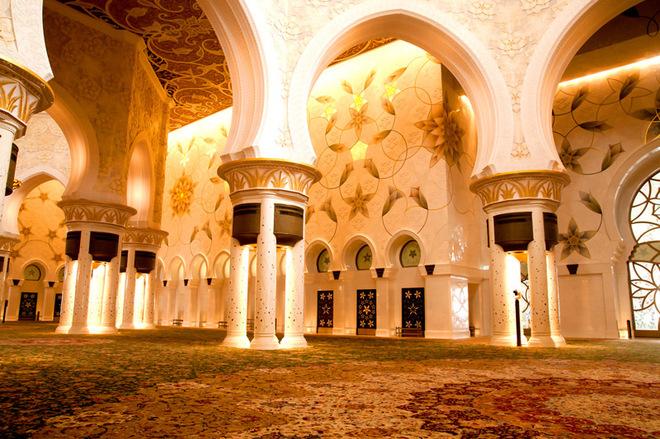 Дивный восток: сказочная мечеть шейха Заида в ОАЭ