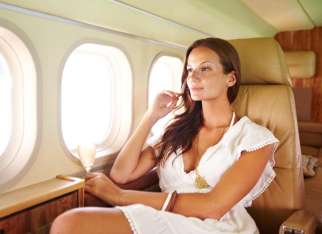 Як доглядати за шкірою під час польоту: 9 б'юті-лайфхаків