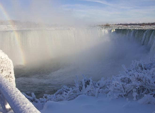 Ніагарський водоспад замерз
