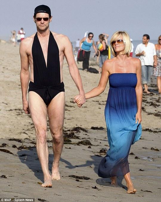 Пляжний сезон: ТОП-5 найбільш дивних купальних костюмів зірок