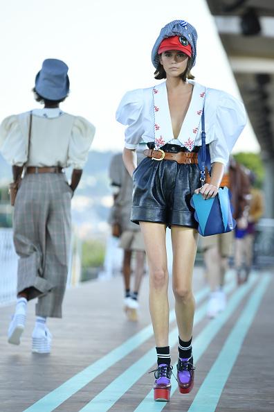 4 образа Кайи Гербер на неделе моды