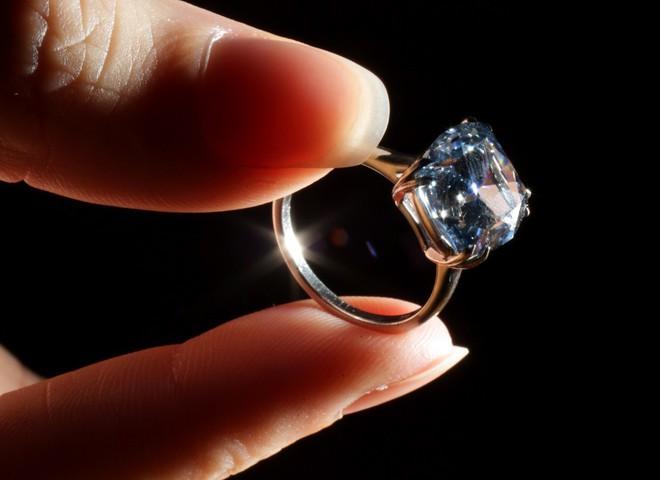 Редкий голубой бриллиант выставлен на Sotheby's