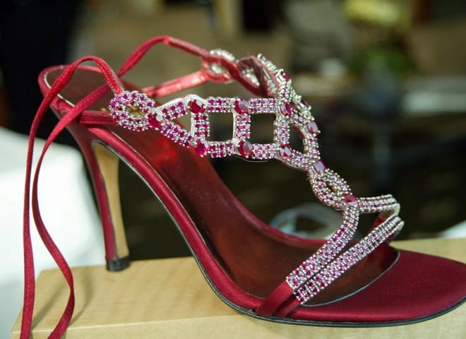 Драгоценные туфли стоят $2,5 млн