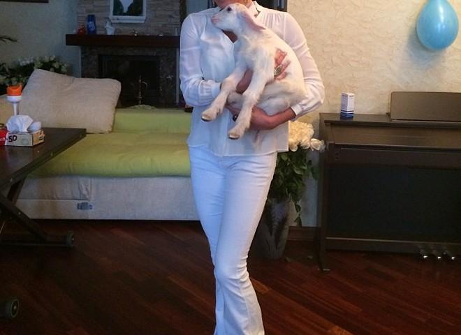 Анастасия Волочкова и козел