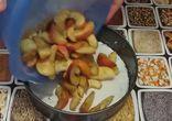 Простая шарлотка с яблоками (рецепт)