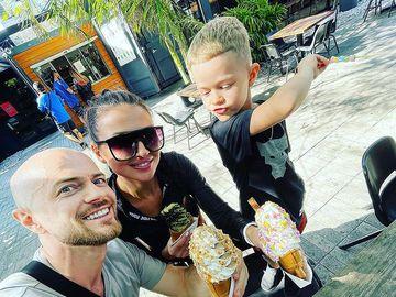 Влад Яма с семьей