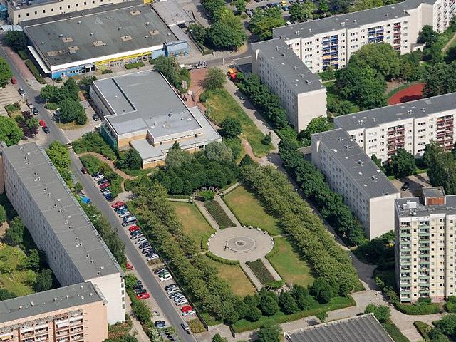 Площадь Клары Цеткин, Хеллерсдорф