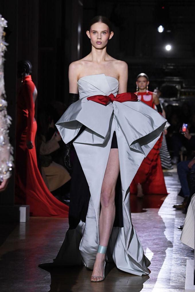 Найкращі сукні Тижня високої моди в Парижі