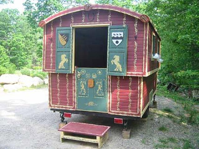 Оригінальні будинку на колесах: Циганська кибитка