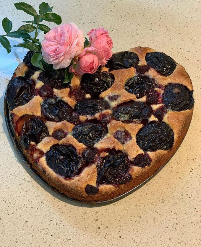 Рецепт пирога со сливами от Юлии Панковой