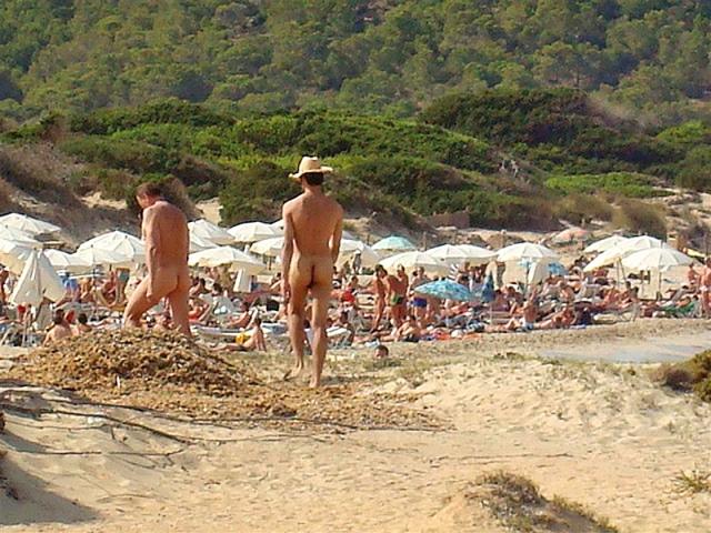 Нудистские пляжи Испании: Playa des Cavallet, Ибица