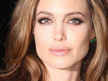 Кращі б'юті-образи Анджеліни Джолі
