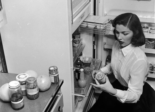 Як позбутися неприємного запаху в холодильнику: поради та рекомендації