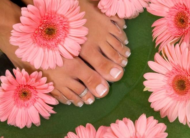 скраб для ног защитит от натоптышей и трещин