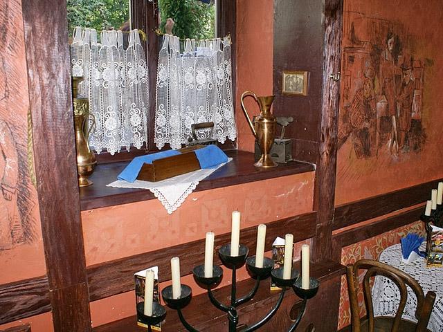 Самые романтичные рестораны украины: Под золотой розой, Львов