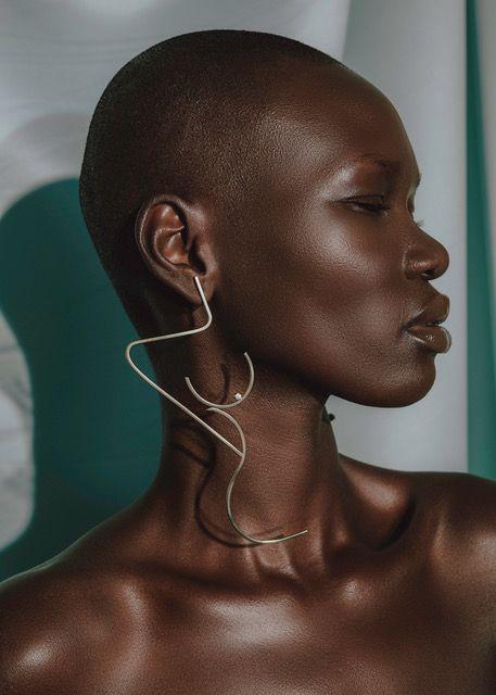 Модні аксесуари на весну-літо 2020: пов'язки й косинки на голову