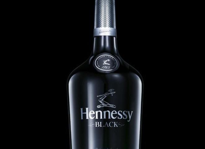 Hennessy рекламирует  «другой коньяк»
