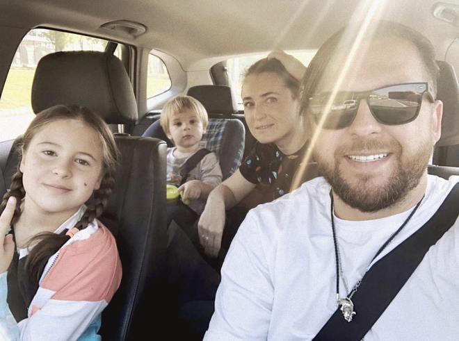 Сергей Танчинец с семьей