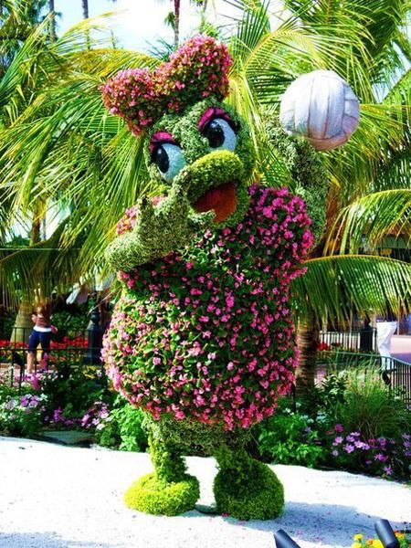 Диснеевские герои из цветов
