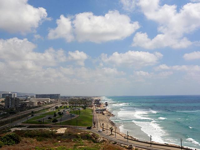 Цікаві місця Хайфи: пляж Хоф ха-Кармель