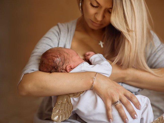 Анна Саліванчук з чоловіком і новонародженим сином
