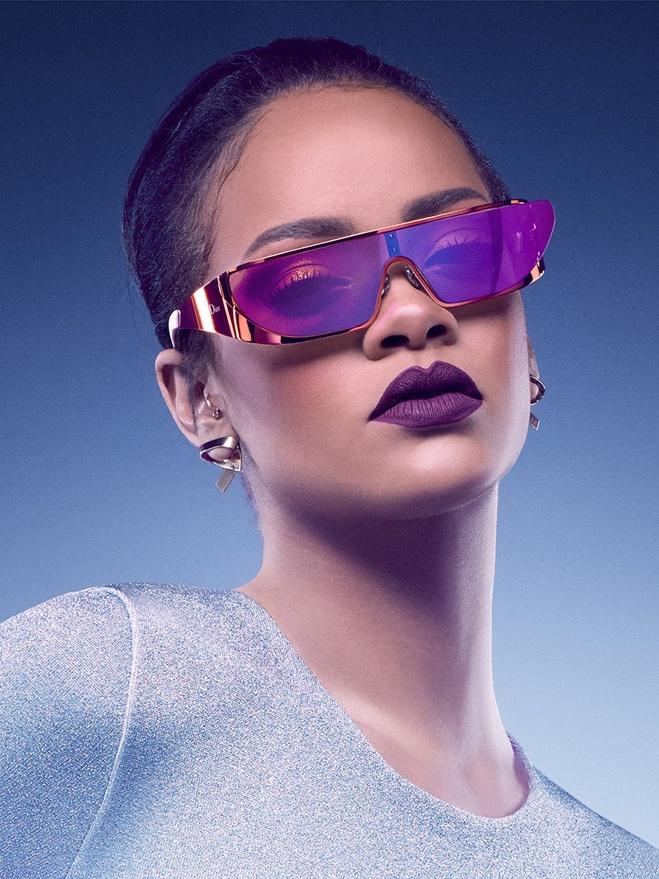 Ріанна представила авторську лінійку окулярів для Dior