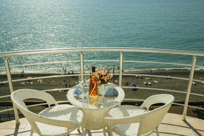 "Де зупинитися в Кобулеті: готель ""Pearl of Sea"""