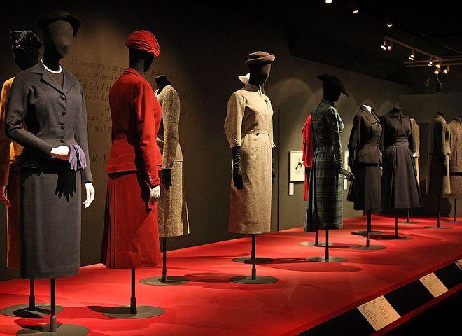 Выставка Dior