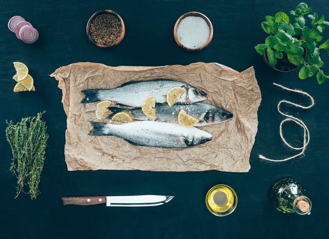 Салаты из рыбы на Новый год 2020: простые новогодние рецепты