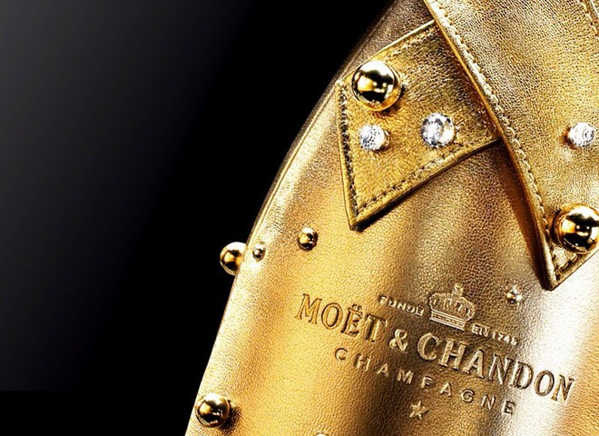 Шампанское Moet & Chandon искрится кристаллами Swarovski