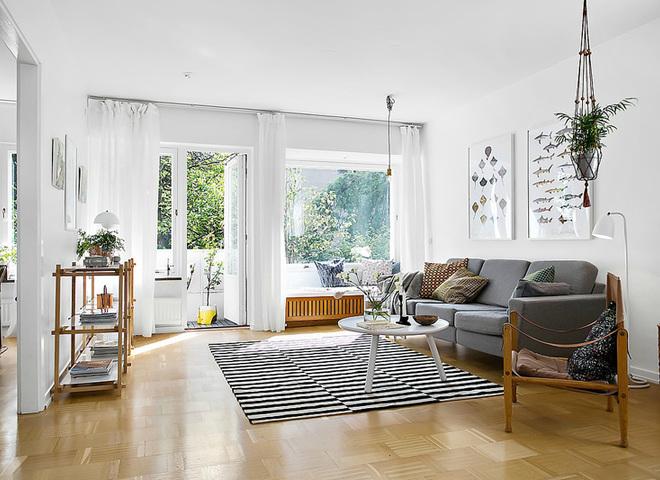 Скандинавские гостиные с открытым балконом