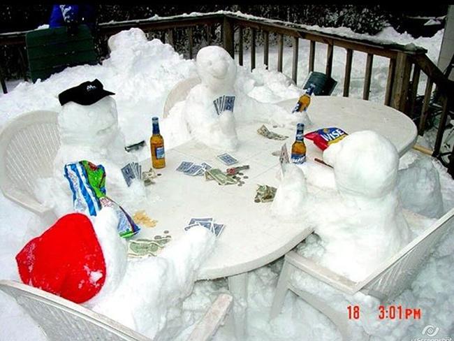 Пришла пора снеговиков. ТОП 15 снежных шедевров