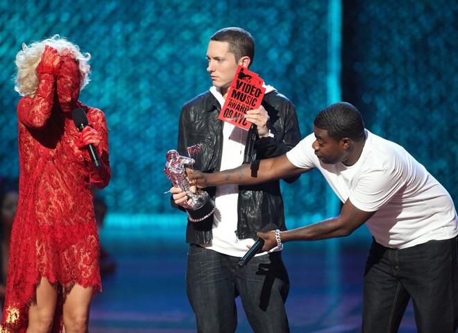 MTV Music Awards 2009 шокировала эпатажем