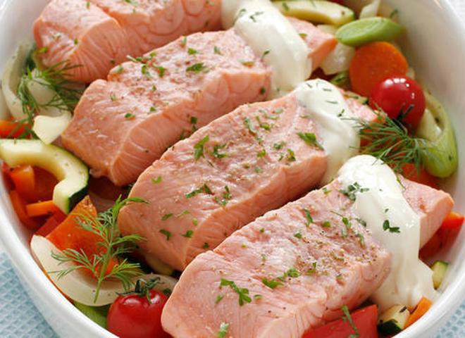 Красная рыба на подушке в духовке рецепт