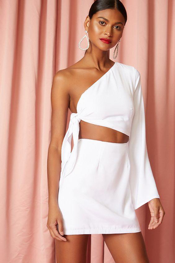 Платье с ассиметричным разрезом — тренд сезона весна-лето