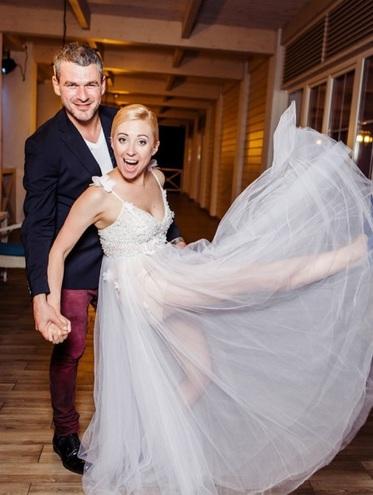Тоня Матвієнко весільну сукню