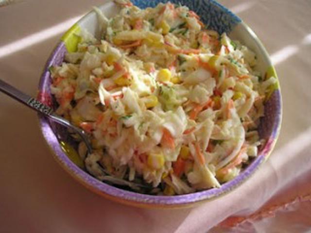 Салат из яиц и кукурузы и капусты рецепт