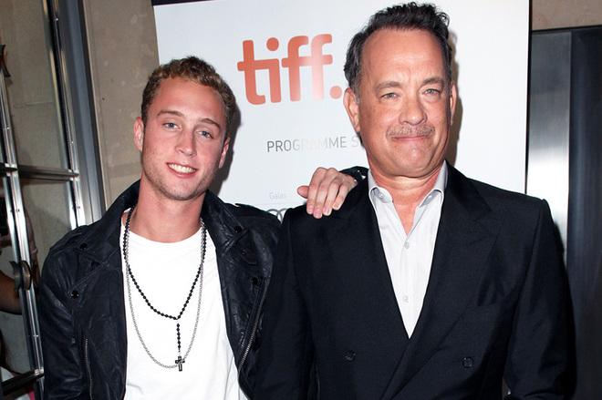 Сын Тома Хэнкса откровенно рассказал о наркозависимости