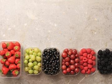 Літні фрукти: калорійність і користь
