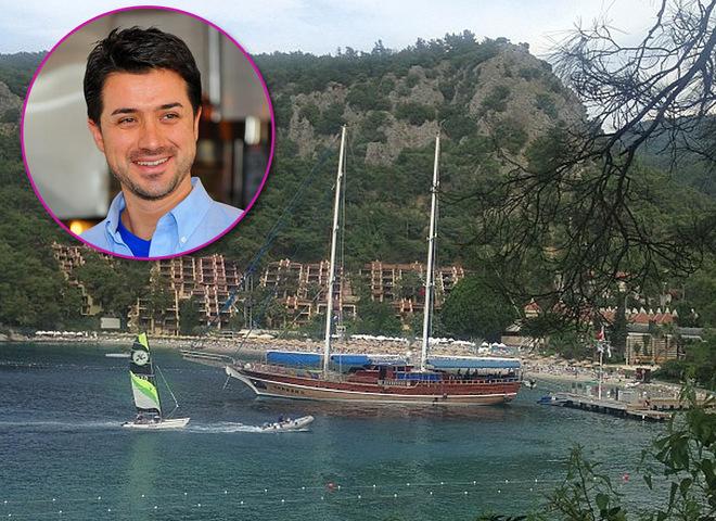 Мурат Налчаджиоглу отдыхает в Турции без Лорак