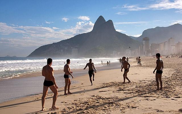Топ-5 кращих міських пляжів в світі: пляж Іпанема, Ріо-де-Жанейро, Бразилія