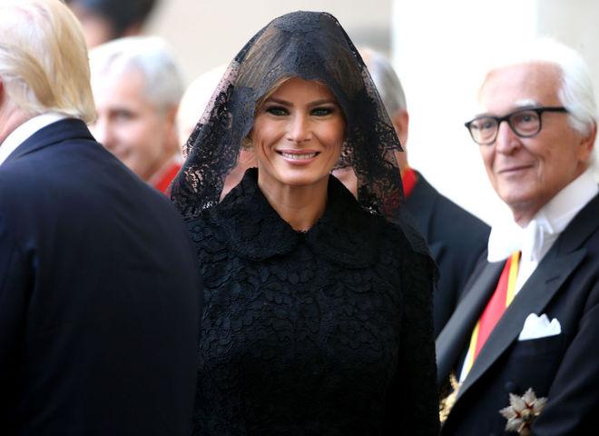 Образ Мелании Трамп на встрече с Папой