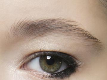 Как рисовать стрелки: графичный макияж глаз 2016